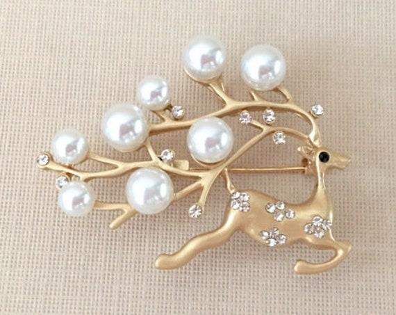 Pearl & Gold Reindeer Brooch Pin