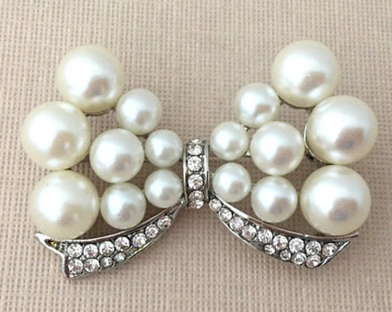Pearl & Silver Bow Brooch Pin