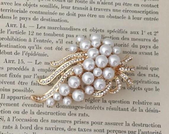 Art Deco Pearl Brooch.Rhinestone Pearl Brooch.Vintage Style.Gold Crystal Pearl Brooch.Art nouveau.Wedding pin.Gold Pearl Brooch.Bridal Pin