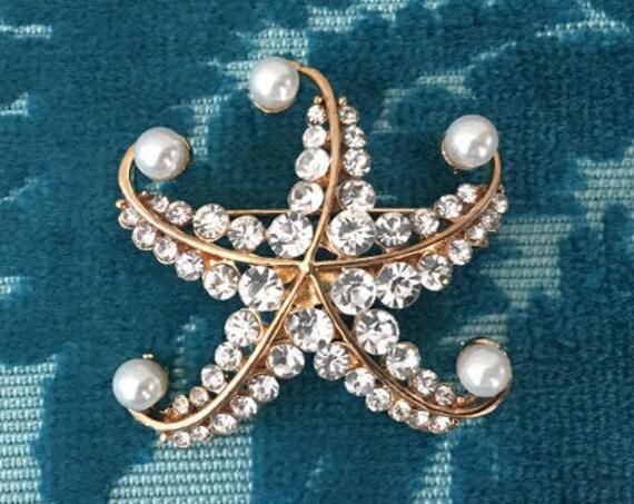 Gold & Pearl Starfish Brooch Pin