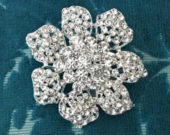 Rhinestone Flower Brooch.Rhinestone brooch.Vintage Style.Crystal Brooch.Bridal Brooch.wedding Pin.Silver Flower Brooch.wedding accessory