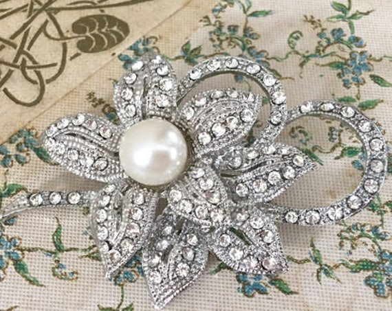 Pearl & Rhinestone Flower Bridal Brooch Pin
