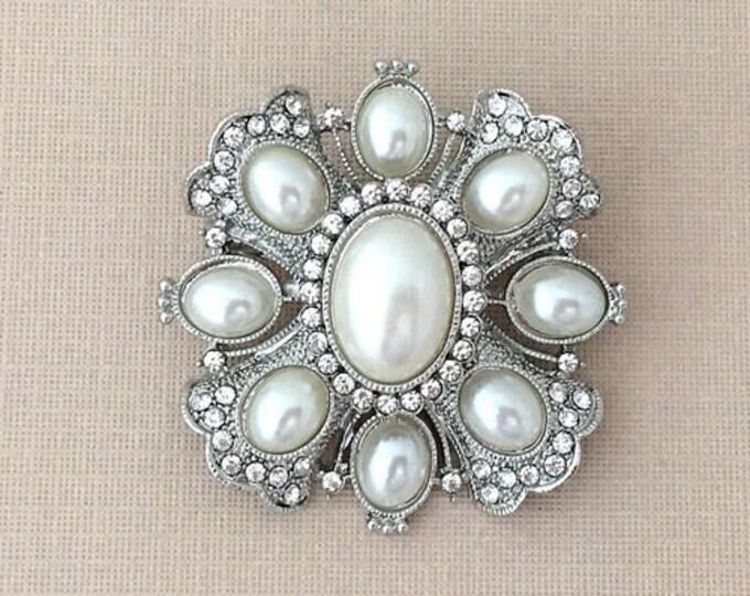 Pearl Rhinestone Brooch Pin