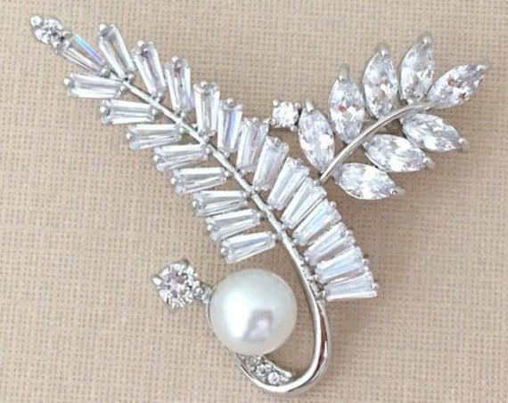 Silver Leaf Rhinestone Pearl Brooch Pin