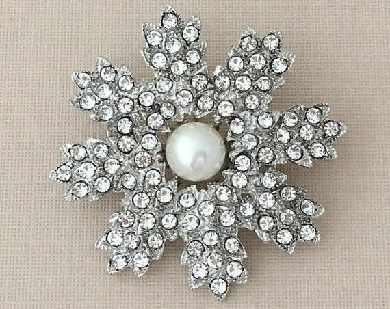 Rhinestone & Pearl Flower Brooch Pin