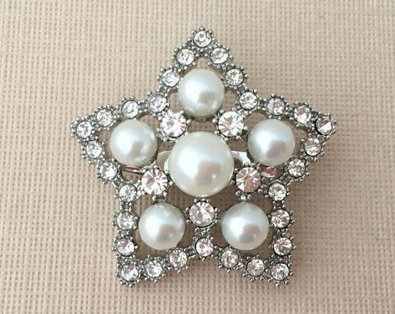Star Brooch.Pearl Star Brooch.Crystal Star Brooch.Rhinestone Star Brooch.Star broach Pin.New Year's Eve.Holiday.July 4th.Patriotic.Pearl