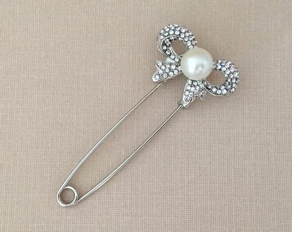 Bow Kilt Pin.Silver Pearl Kilt Pin.Rhinestone Bow Pin.Crystal Bow Pin.wedding dress pin.Vintage Style.Large Safety Pin.Silver clear.Brooch