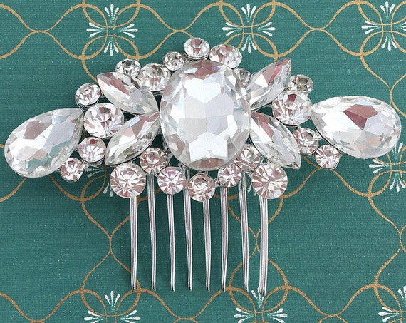 Bridal Hair Comb.Bridal Headpiece.Wedding Hair Piece.Rhinestone Hair Comb.Crystal Hair Comb.Vintage Style.Fascinator.Hair Accessory.Hair Pin