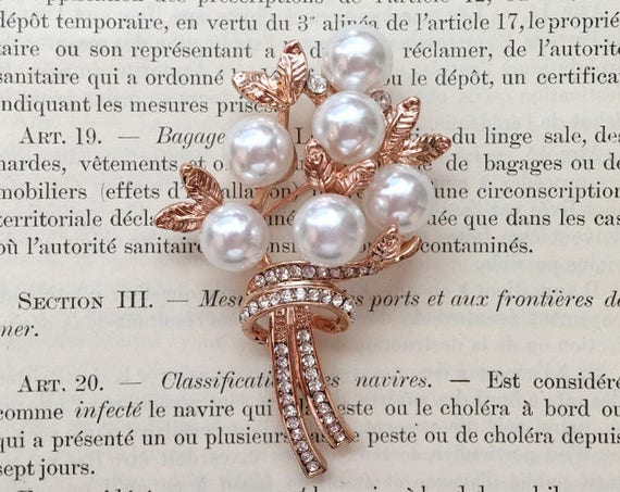 Rose Gold Pearl Leaf Brooch