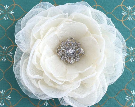 Handmade Cream Bridal Flower Hair Piece or Brooch Pin.Hair Clip, Hair Comb or Brooch Pin