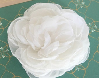 Fabric flower brooch etsy white flower hair clipding hair pieceidal headpiecefabric flower broochony hair clipwhite fascinatorwhite bridal hair pin 3 mightylinksfo