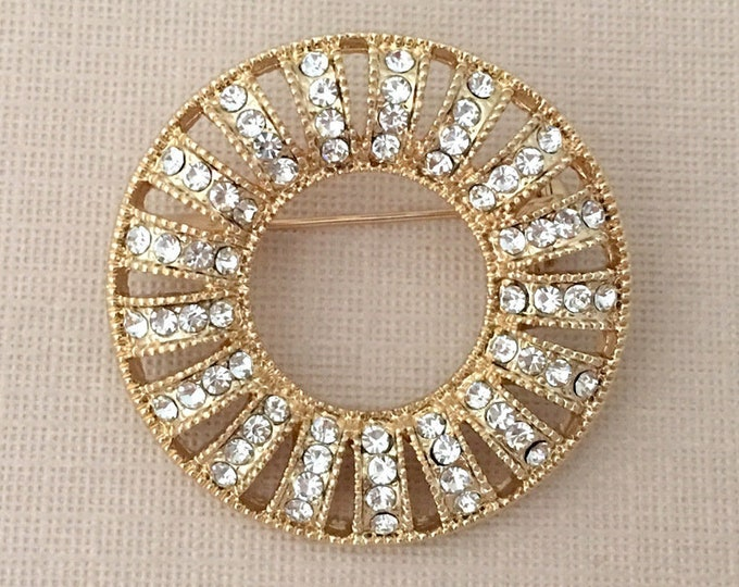 Gold Art Deco style brooch pin