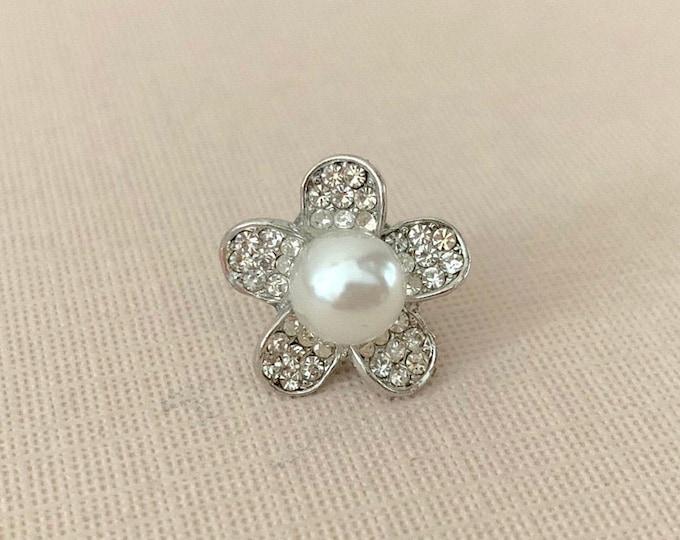 Pearl Flower Lapel Pin. Clutch Pin