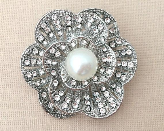 Pearl & Rhinestone Platinum Brooch Pin