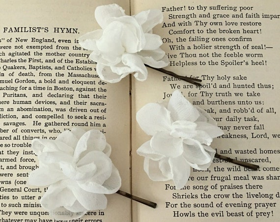 Mini Ivory Flower Hair Pin Set. Set of 3.
