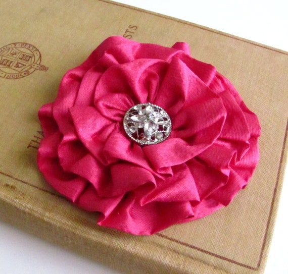 Fuchsia Pink Flower Hair Clip.Fuchsia Pink Flower Brooch.Silk Flower.Pink Flower pin.hair piece.bridesmaid.wedding accessory.flower girl