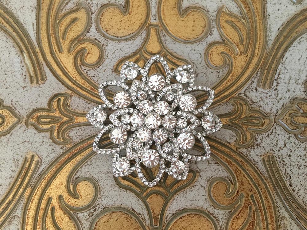 173b70e4ef7 Crystal Flower Brooch.Rhinestone Flower Brooch.Vintage Style.Silver Bridal  Brooch.Art Deco Brooch.wedding dress Brooch Pin.snowflake brooch