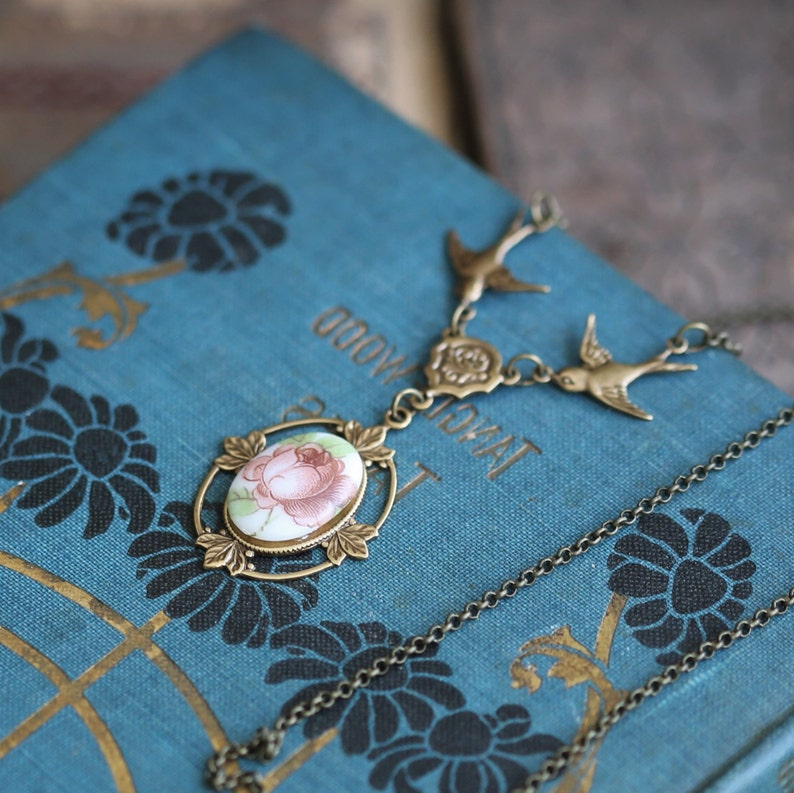 Vintage Flower Cameo Pendant Necklace in Silver or Bronze