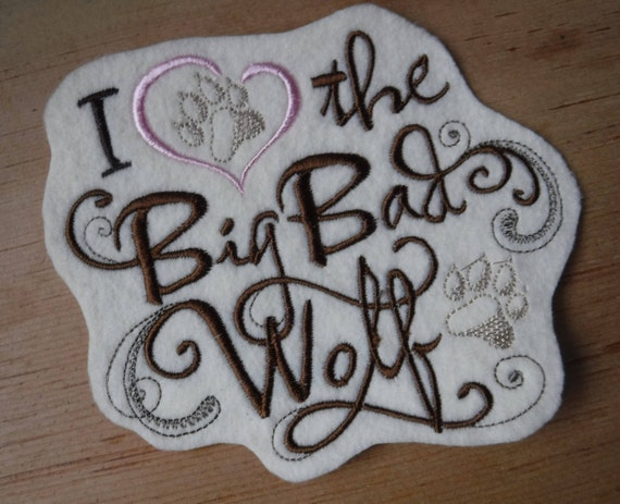 Love Lavender SM Flowers Heart Embroidered Iron On Applique Patch