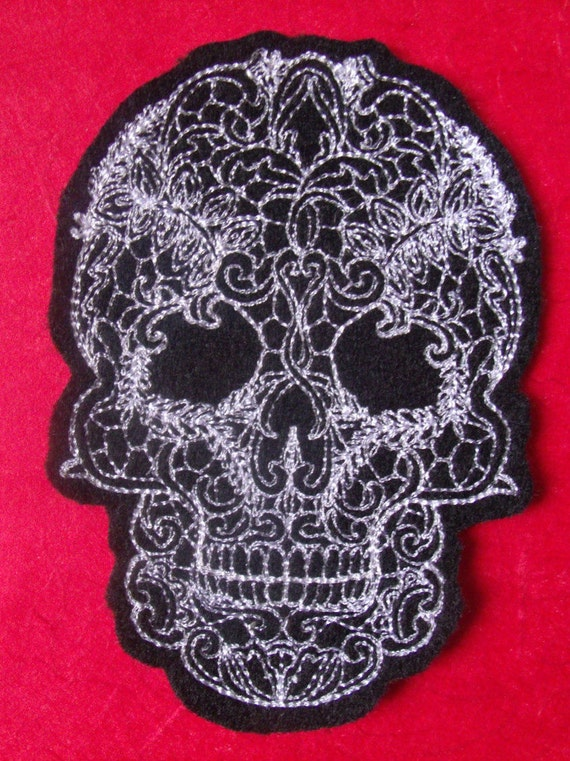 """Embroidered Sew On Patch 2.72/"""" X 3/"""" White Skull"""