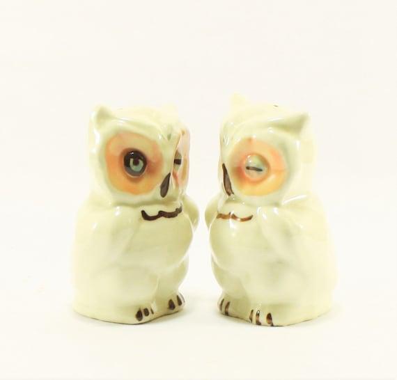 Shawnee owl shaker set vintage OWL salt and pepper shakers