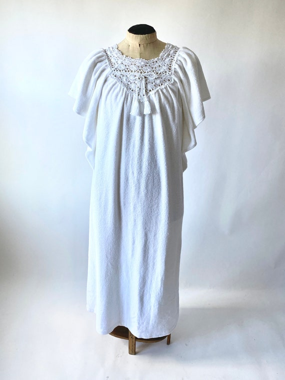 Vintage Kaftan White Terrycloth with Crochet Trim