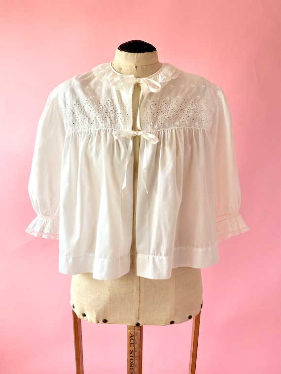 Vintage Bed Jacket / 1960s Lace Jacket / White Lou