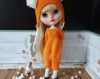 Hand knitted  Blythe jumpsuit with coordinated hat helmet for Blythe doll. Blythe clothes, overalls for Blythe. Outfit for Blythe. Rompers.