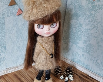 Set 2 items: Hand Knit Beret and sweater for Blythe doll - Brown, beige - Mohair