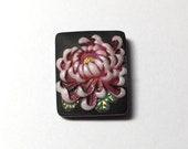 Vintage Toshikane Arita purple pink mum flower button