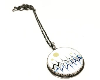 Syerling silver and resin necklace