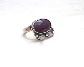 Deep red Sapphire Ring Sterling Silver Size 7.25