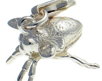 Sterling 925 Silver Bee Clip On Charm Pendant. Handmade by Welded Bliss WBC1536
