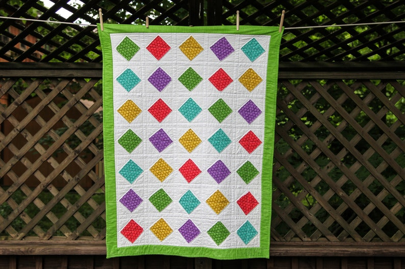 Quilt with Diamond Shapes by MadeMarion image 0