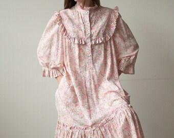 2900d / cotton floral ruffle bib dress / s / m / l