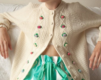 6390t / hand knit wool berry embroidered cardigan sweater / s / m