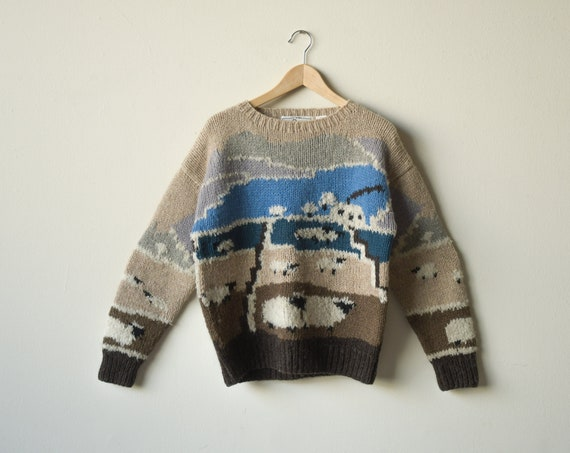 5692t / hand knit sheep crewneck sweater / novelty