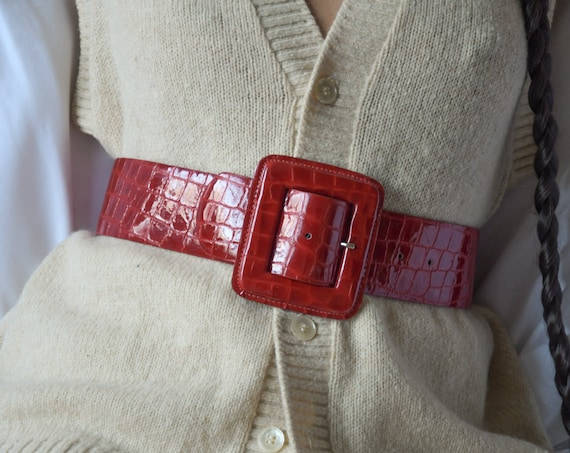 2625a / red croc embossed patent leather belt / s