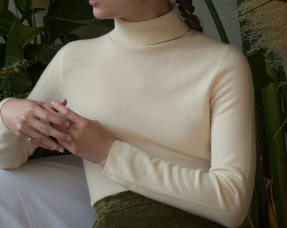 5679t / cashmere white knit turtleneck sweater / s