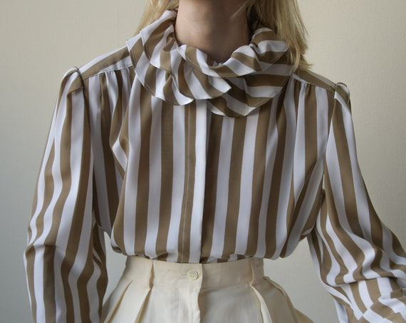 5504t / 70s striped ruffle collar blouse / puff s… - image 1
