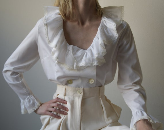5512t / 70s white cotton ruffle collar cuff blouse