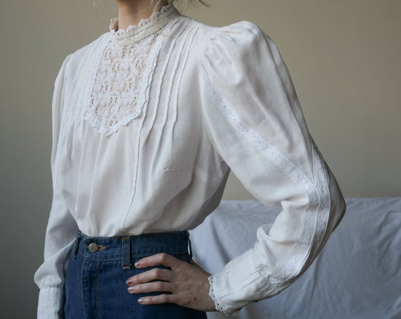 5454t / 1970s white cotton crochet lace puff sleev