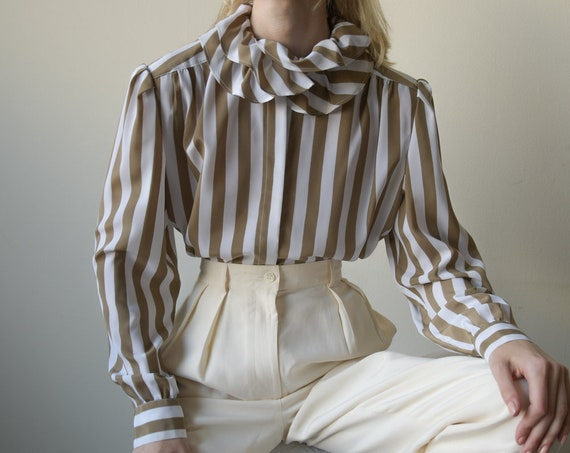 5504t / 70s striped ruffle collar blouse / puff s… - image 2