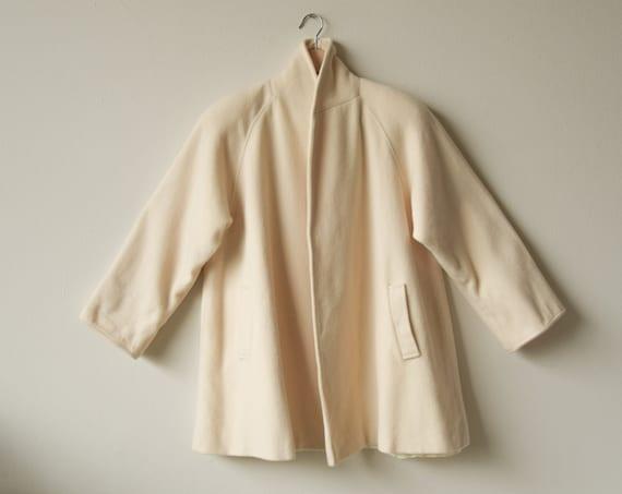 2815o / cream white wool swing coat / minimalist w