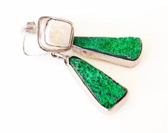 Green uvarovite pearl earrings