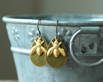 Bee Earrings . Mothers Day Gift from Daughter . Mother Gift . Best Friend Birthday Gift . Bohemian Bee Jewelry . Birthday Gift for Women