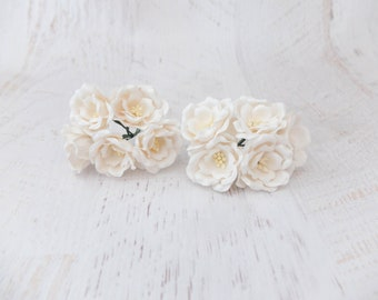 4 cm paper rose with wire stems 5 40mm mint paper roses