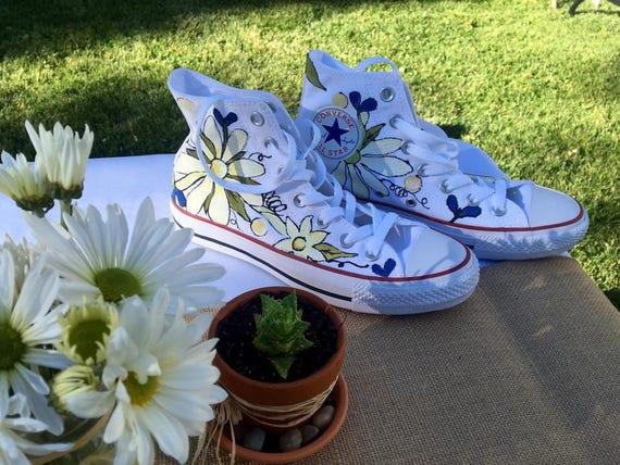 Mariage chaussures à la main peint Converse, Marguerite, mandrins pour mariée, chaussures Floral personnalisé, marguerites, Boho hippie Bohème,