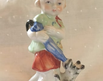Decorative Arts Wales Ceramic Porcelain Figurine Statue Man Pushing Wheel Barrow With Lady 1960 For Sale