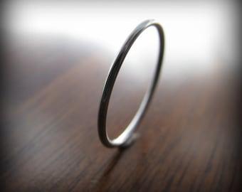 Platinum ring - smooth skinny stacking ring 1mm